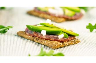 Cracker Salami Avocado