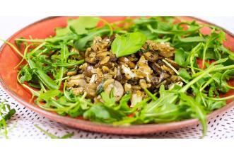 Rijst met paddenstoelen en truffel